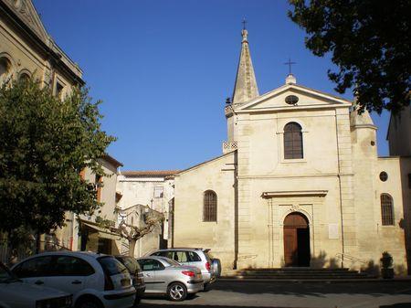 Maillane et son église pitoresque