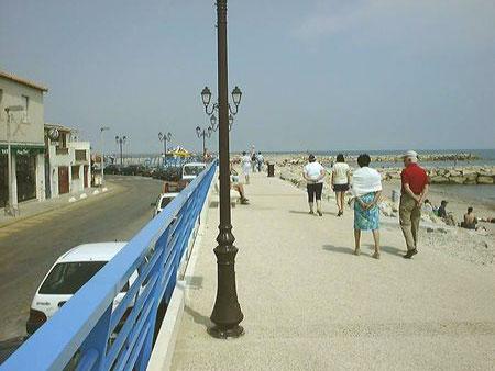 Promenade digue sainte Marie de La mer